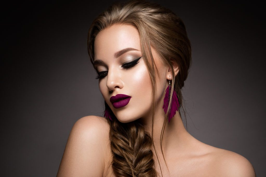 Holiday Makeup Tips That Will Make You Look Stunning!
