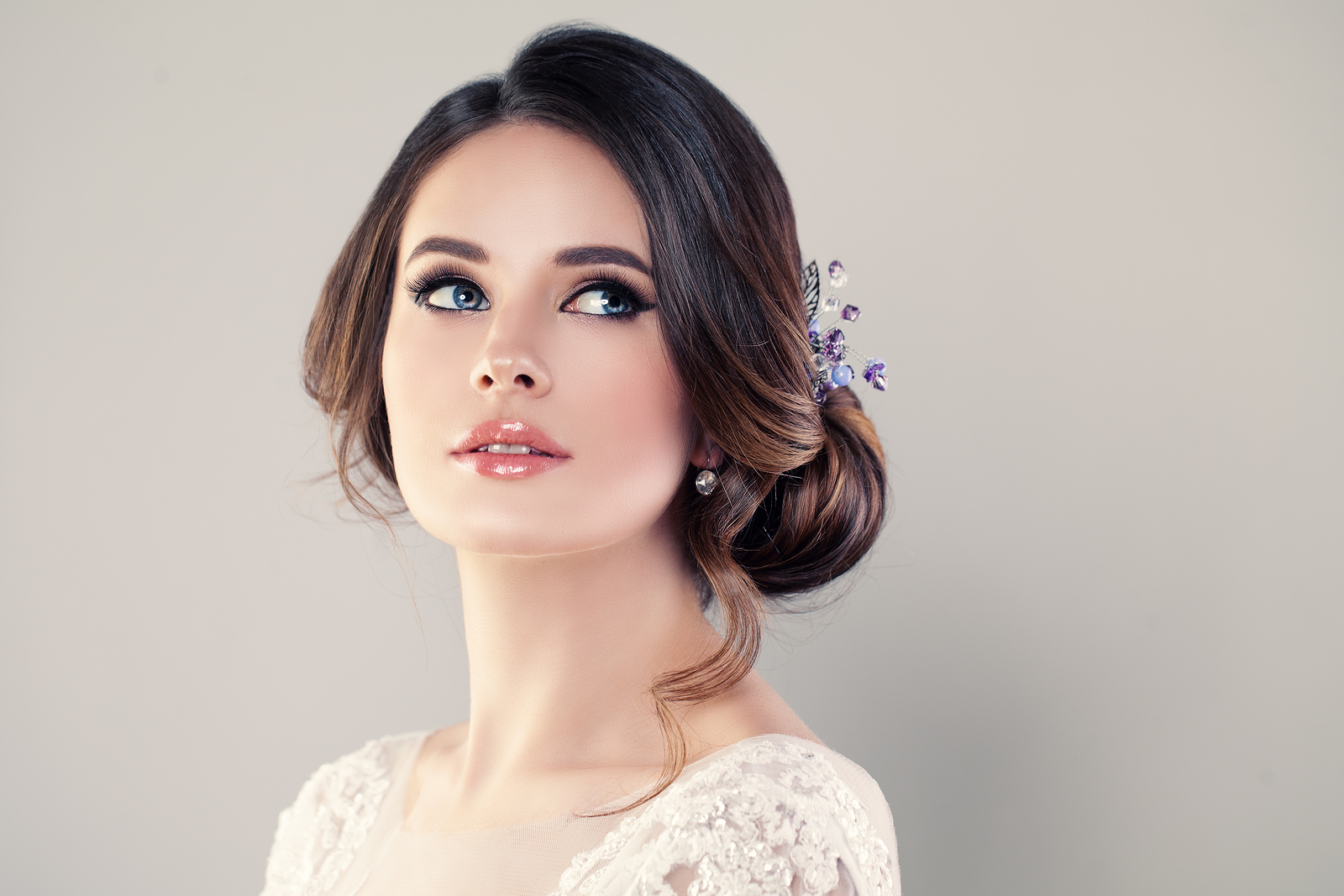 Your Perfect Prom Hairstyle. Your Awesome Look.